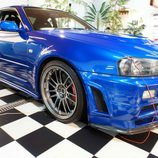 Nissan Skyline GT-R: Vista frontal derecha
