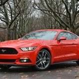 Ford Mustang 2015, World's Fair Site, 3/4 delantero