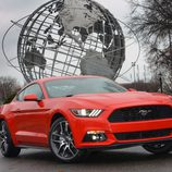 Ford Mustang 2015, World's Fair Site, frontal 2/2
