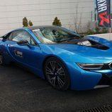Presentación 8000 vueltas - BMW i8 side