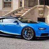 Bugatti Chiron - escaleras
