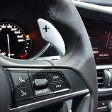 Alfa Romeo Giulia - leva derecha