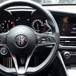 Alfa Romeo Giulia - volante cuero