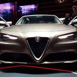 Alfa Romeo Giulia - oscuro
