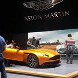 Aston martin db11 - naranja
