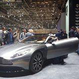 Aston martin db11 - led