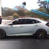 Stand de Honda en el Salón de Ginebra - Civic lateral
