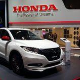 Stand de Honda en el Salón de Ginebra - HR-V capo
