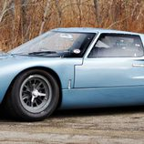 Ford GT40 mkI Road coupe 1966 - side