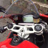 Ducati 959 Panigale - manillar