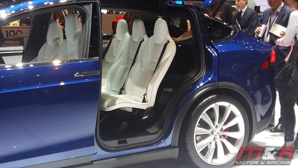 Tesla Model X Ginebra 2016 - asientos