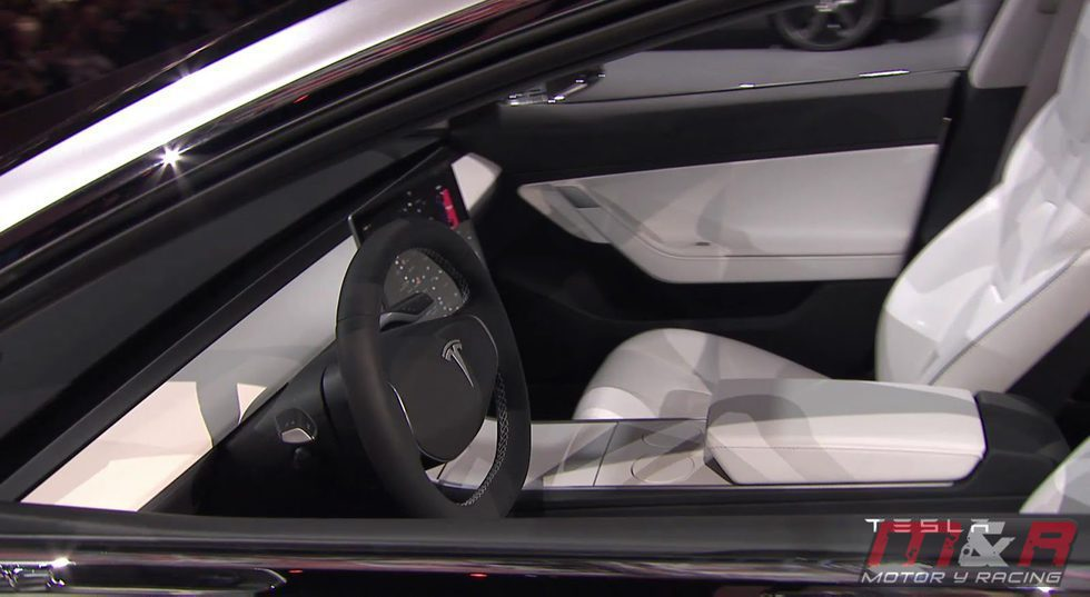 Tesla model 3 interior foto en motor y racing for Tesla model 3 interieur