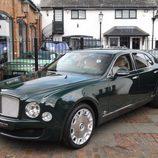Bentley Mulsanne Reina de Inglaterra 2016 - faros