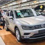 Volkswagen Tiguan 2016 Fabricación - capo