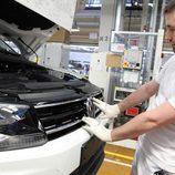 Volkswagen Tiguan 2016 Fabricación - capo abierto