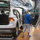 Volkswagen Tiguan 2016 Fabricación - colocación