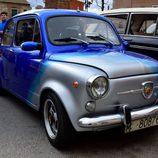 VIII Concentración clásicos de Fuensalida - SEAT 600 bicolor