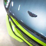 Aston Martin GT8 - emblema