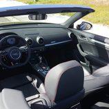 Habitáculo del Audi S3 Cabrio 2015