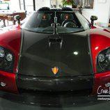 Logo de la marca Koenigsegg en el CCX
