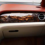 Molduras de madera del Bentley Bentayga 2016