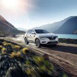 Parrilla oscura del nuevo Renault Koleos