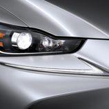 LEDs delanteros del nuevo lexus 2016