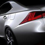Línea lateral del Lexus IS 2016