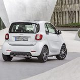 Escapes cromados del Brabus Smart 2016