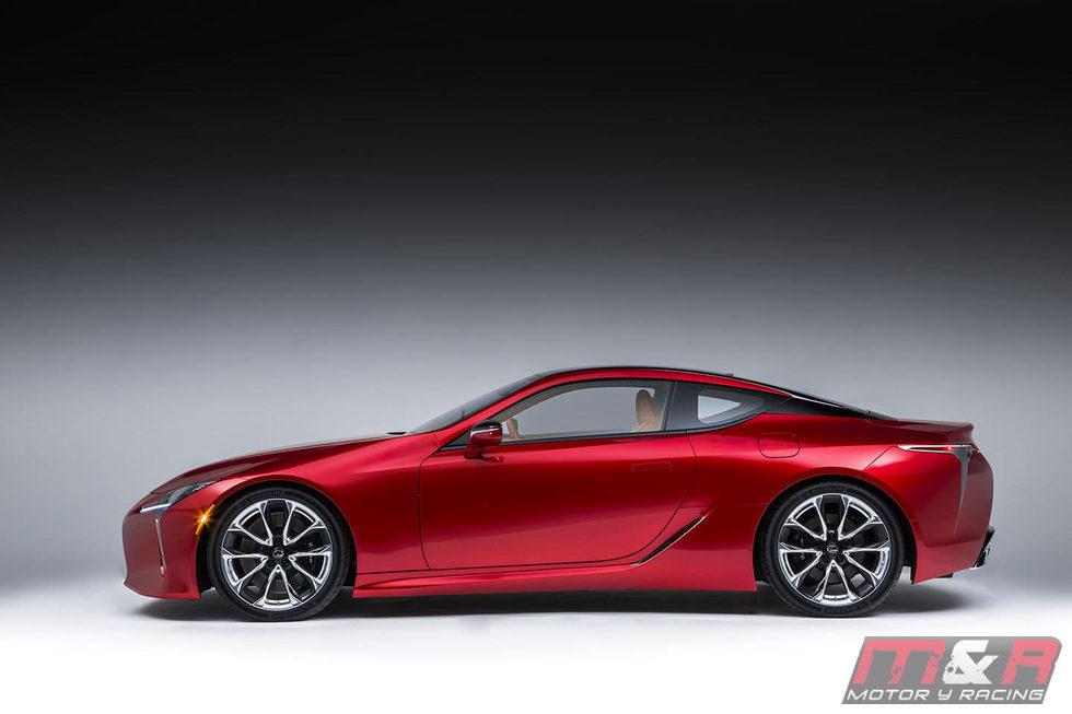 Lateral del Lexus LC 2016