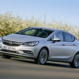 Retrovisor izquierdo del nuevo Opel astra 2016