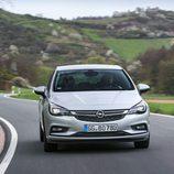 LEDs delanteros del Opel Astra CDTI