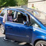 El propietario recuperando su vehículo