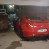 Escapes cromados del Nissan 370Z rojo