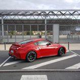 Lateral rojo del Nissan V6 370Z