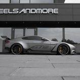 Lateral del AM GT12 en la sede de Wheelsandmore