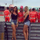Paddock Girls del GP de San Marino 2016 - Stefania Ortelli y Francesca Brambilla con Ducati