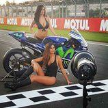 Paddock Girls del GP de Valencia 2016 - Barbara Amerigo y Eva Padlock con Yamaha