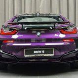 BMW i8 morado - trasera
