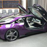 BMW i8 morado - lado