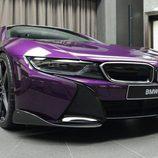 BMW i8 morado - carbono
