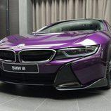 BMW i8 morado - fibra