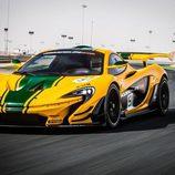 McLaren P1 GTR - amarillo