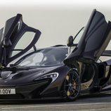 McLaren P1 - puertas abiertas