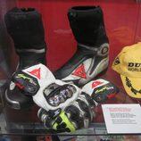 Sic in memoriam - Botas y guantes