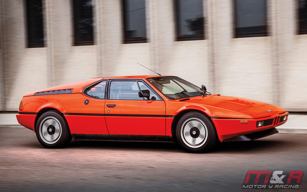 BMW M1 - lateral