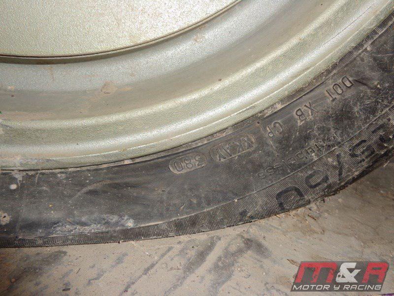 BMW M1 - Neumático