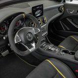 Mercedes-AMG GLA 45 - Volante