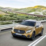 Mercedes-Benz GLA 2017 - Amarillo