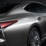 Lexus LS 2018 - Faro posterior